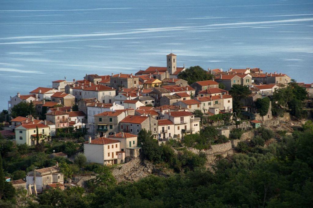 wyspa Cres w Chorwacji i jej atrakcje